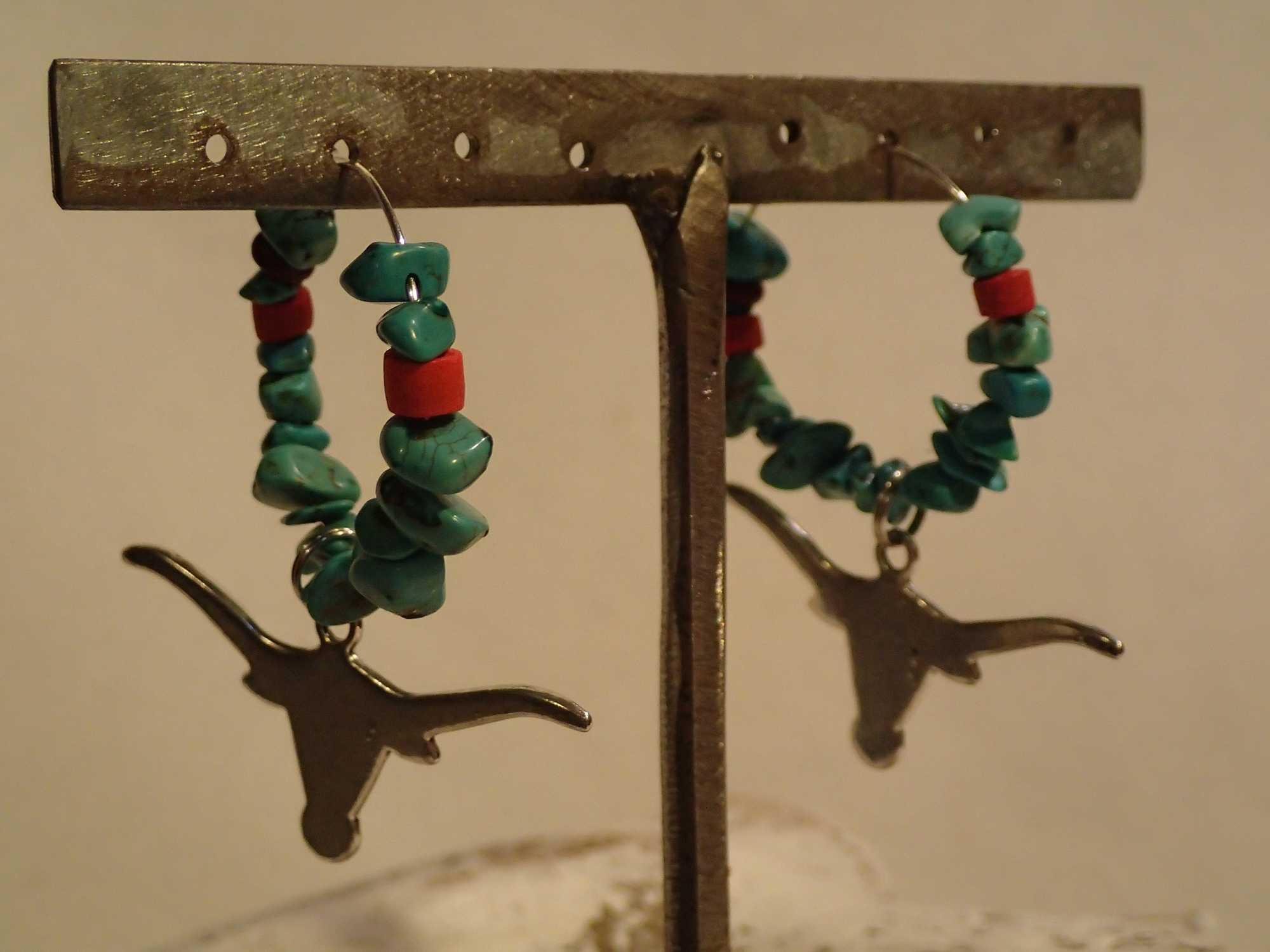 Atome-Crochu-_-product-_-boucles-doreilles-creole-avec-turquoises-et-tete-de-buffle-02